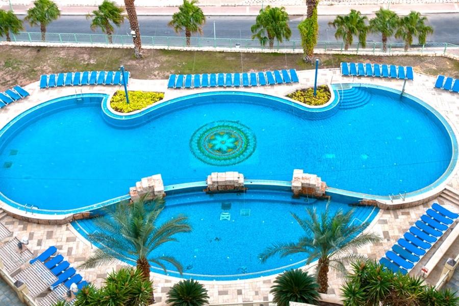 leonardo-privilege-dead-sea-pool5